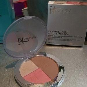 It cosmetics bronzer, blush, & illuminator